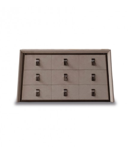 4218/26 CHEST OF DRAWERS